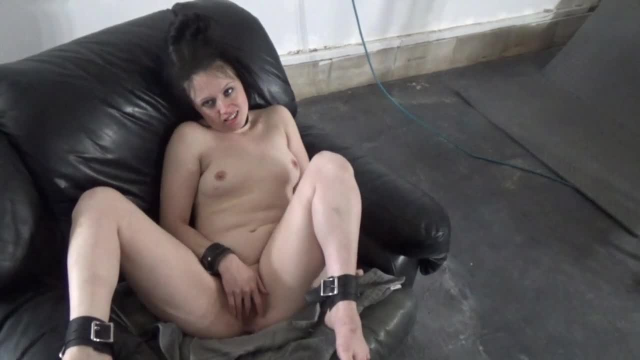 Pic #1TwoTap Gets Sprayed - Nude Girls, Brunette, Masturbation, Shaved, Facials