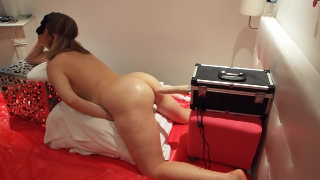 Pic #1Love The Dildo Machine - Nude Girls, Brunette, Toys, Amateur, Firm Ass