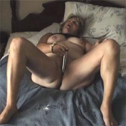 Heather Masturbating With Her Vibrator - Masturbation, Toys, Shaved, Amateur