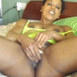 Cuando Esther Decide Masturbarse En Mi Cama - Brunette, Ebony, Masturbation, Toys, Shaved, Amateur