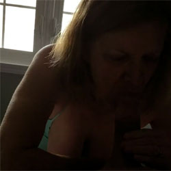 Sexy Red Loves Sucking Cock